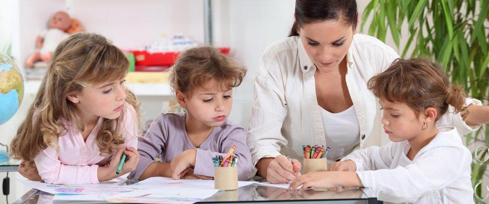 Activités et jeux garde d'enfants